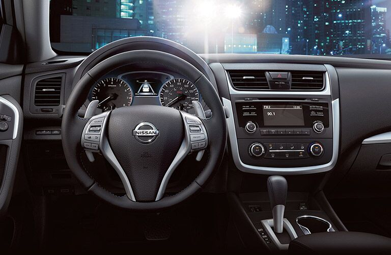 2017 Nissan Altima Interior View of Steering Wheel and Dashboard in Black