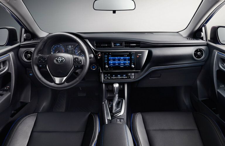 2017 Toyota Camry interior dash steering wheel and infotainment system