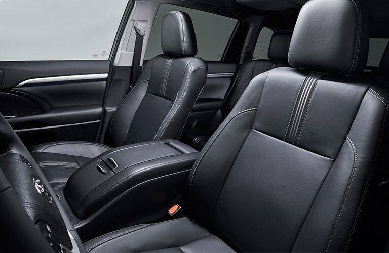 2017 Toyota Highlander interior seating black