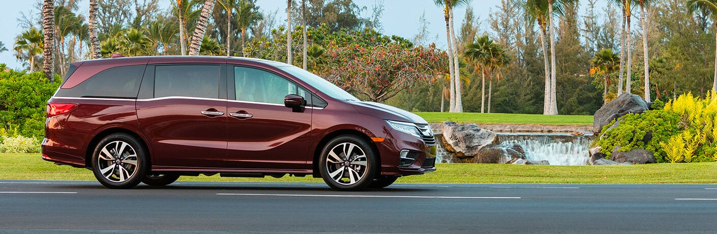 profile view of the 2019 Honda Odyssey