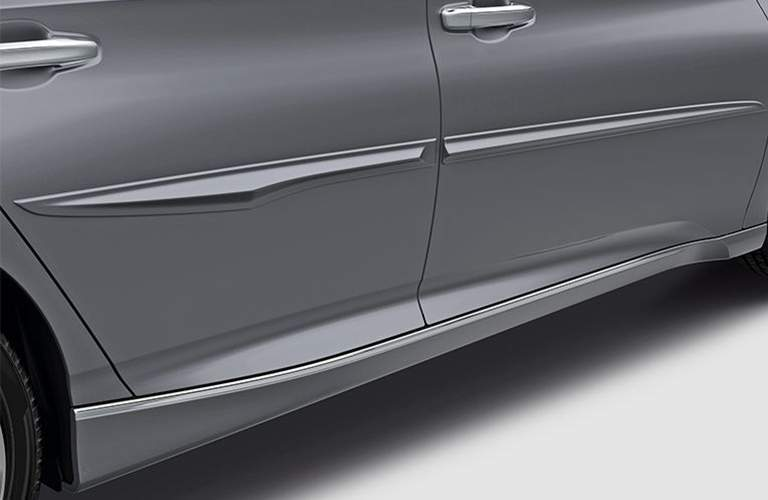 detail image of the exterior styling lines of the 2018 honda accord sedan