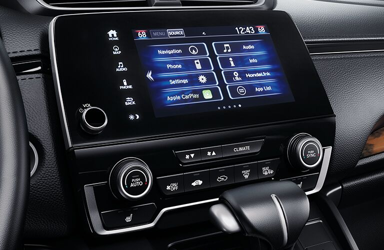 Infotainment screen and controls on a 2020 Honda CR-V