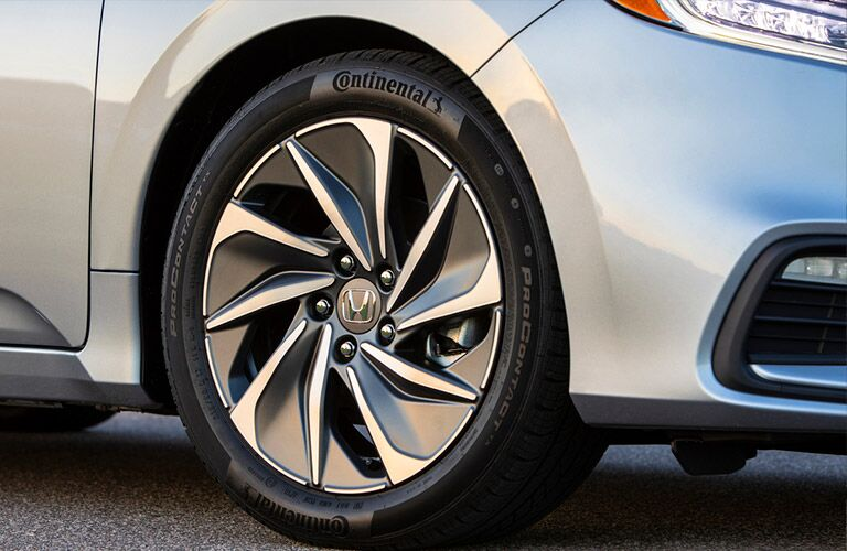 Close-up view of the retina-blasting alloy wheels of the 2020 Honda Insight
