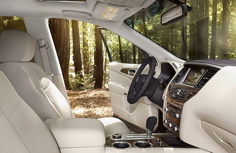 2016 Nissan Pathfinder in Chicago and Orland Park, IL standard features