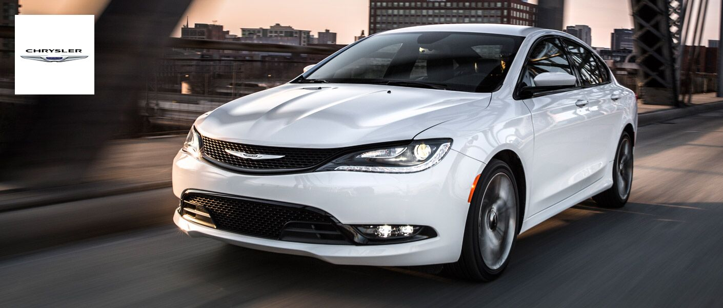Chrysler 200: Coolant Level