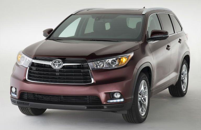 2015-Toyota-Highlander-Front