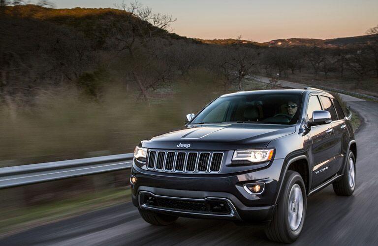 2016 Jeep Grand Cherokee vs 2016 Toyota 4Runner  Headlights grille redesign