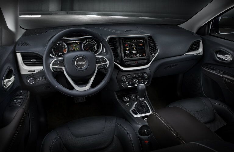 2016 Jeep Cherokee interior technology