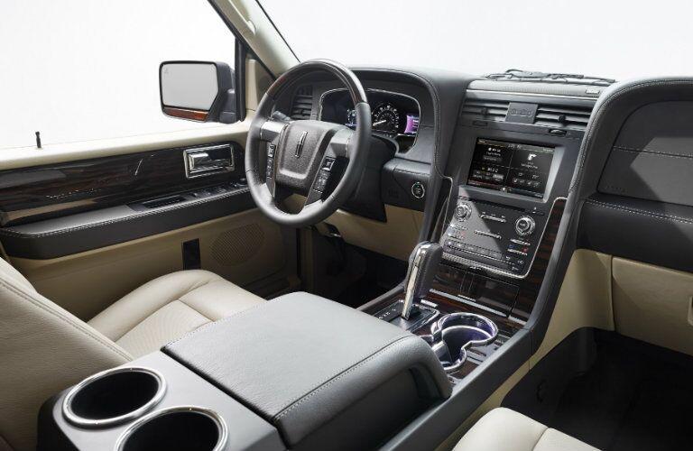 2015 Lincoln Navigator front seat_o