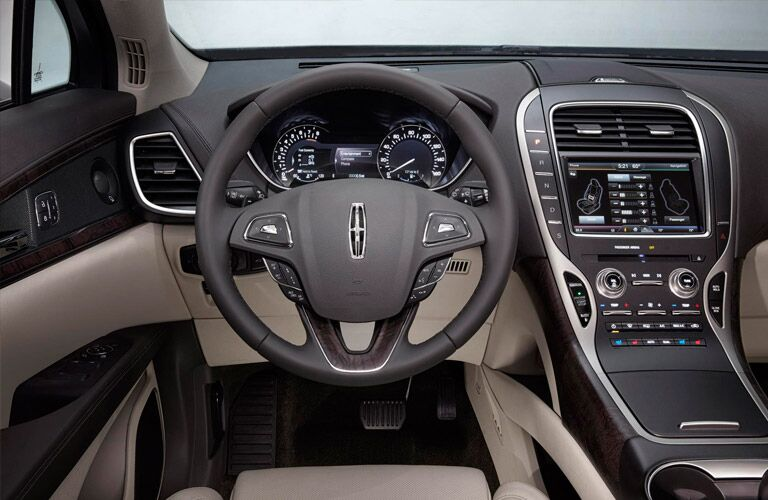 2017 Lincoln MKX steering wheel_o