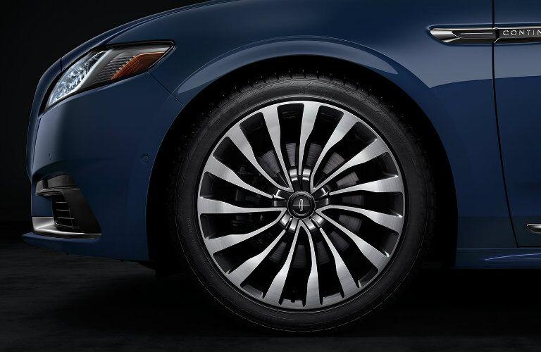 2017 Lincoln Continental Rhapsody aluminum wheels