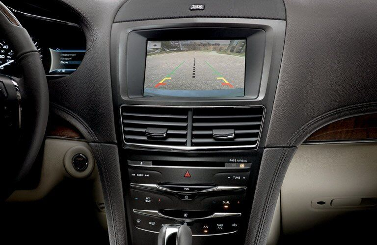 2017 Lincoln MKT rearview camera