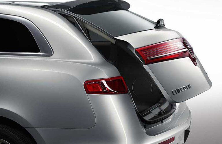 2017 Lincoln MKT power liftgate