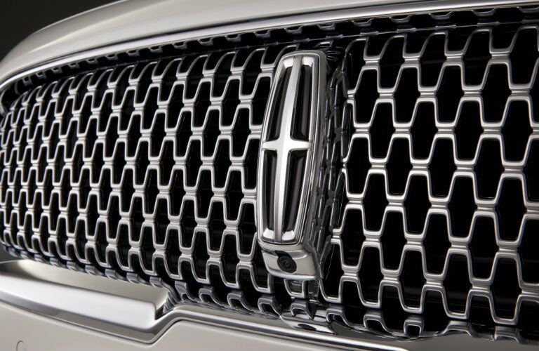 2017 Lincoln Continental grille