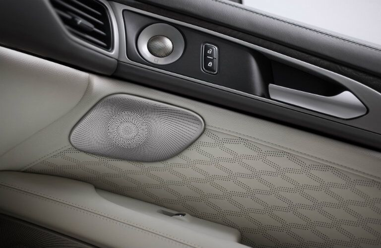 2017 Lincoln MKZ door speakers