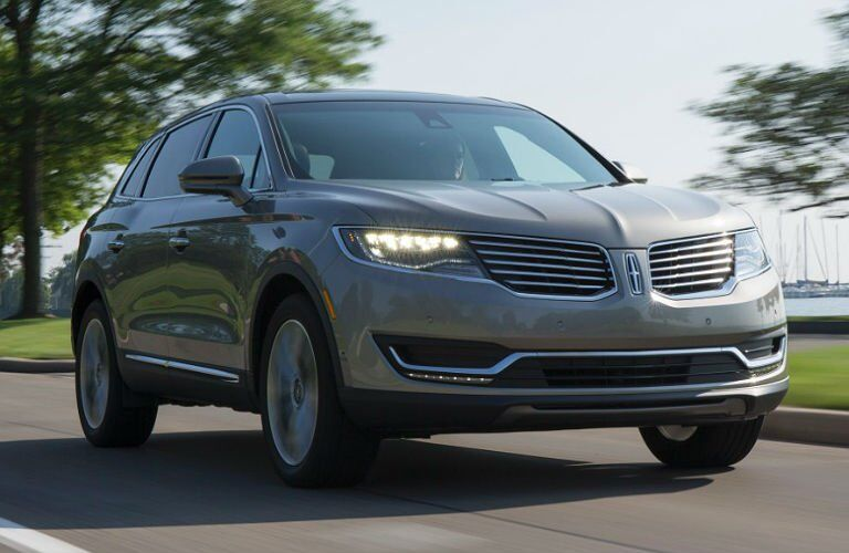 2017 Lincoln MKX exterior in silver