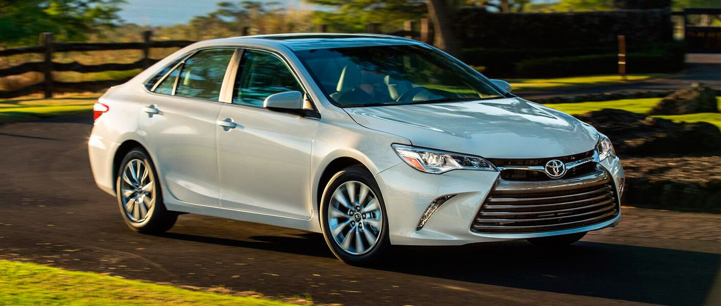 2017 toyota camry silver exterior
