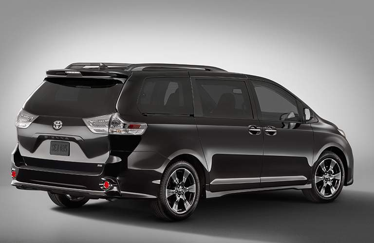 2018 Toyota sienna back view.