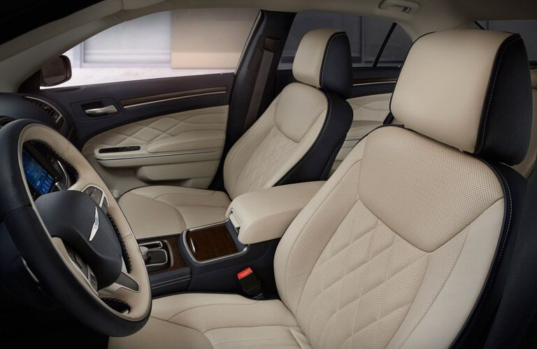 2016 Chrysler 300 leather seats