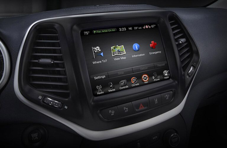 2016 Jeep Grand Cherokee tech features
