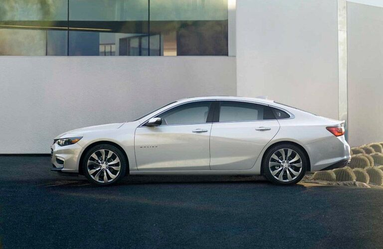 2017 chevy malibu in white