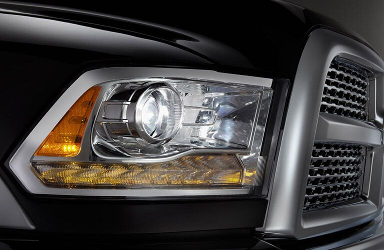 2017 ram 3500 headlight design