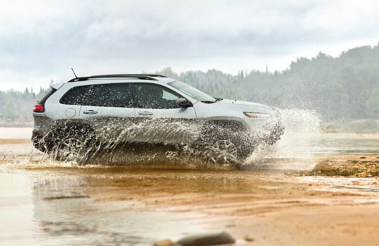 2017 Jeep Cherokee driving in water