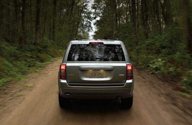 2017 jeep patriot rear hatch