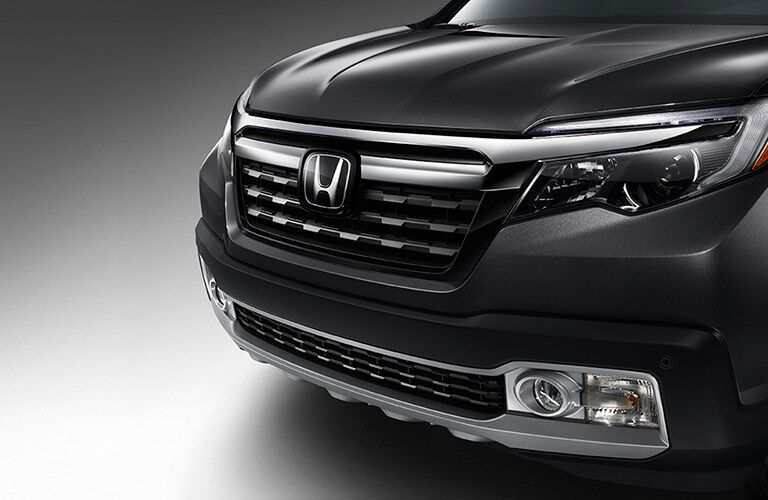 2017 Honda Ridgeline front end and grille design