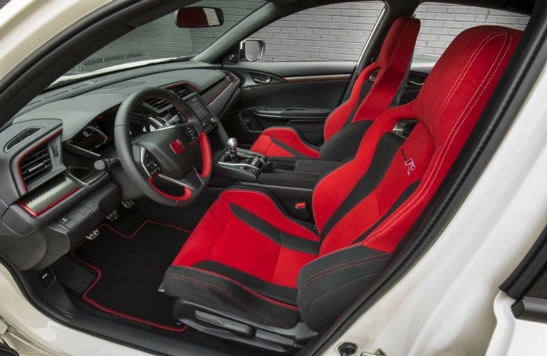 side view of the front passenger space in a 2018 Honda Civic Type R