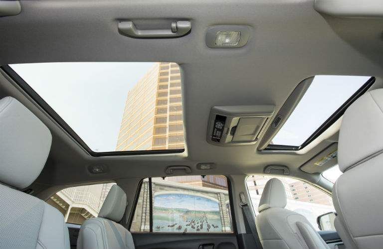 2018 Honda Pilot interior back cabin looking up to the sun roof
