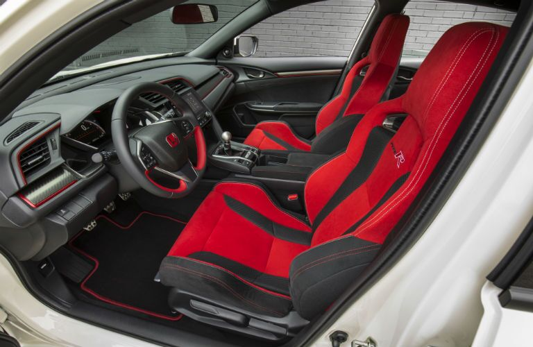 side view of the front interior of a 2019 Honda Civic Type R