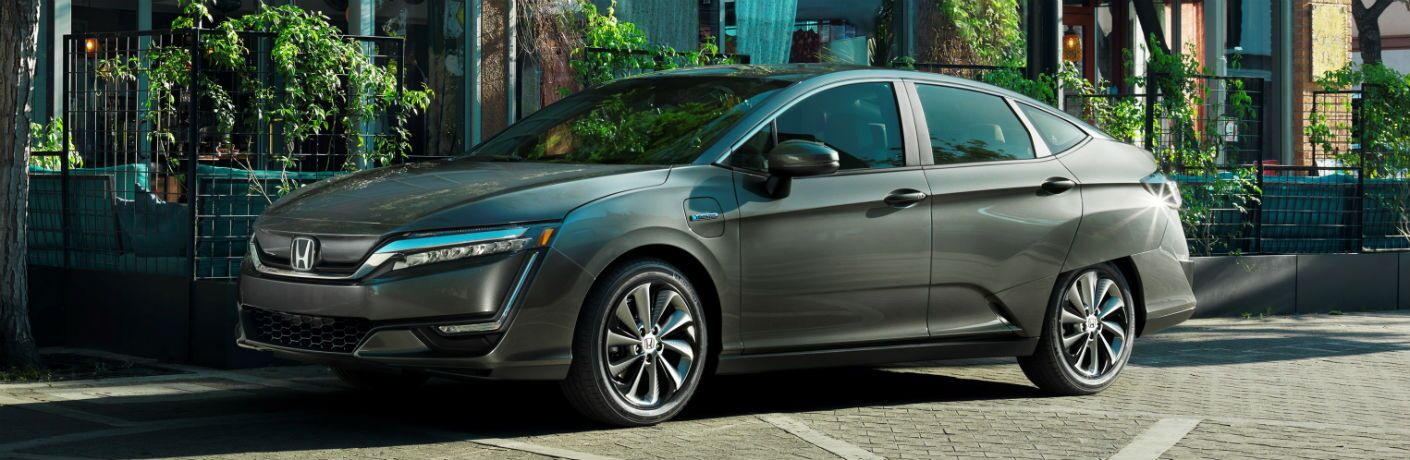 side view of a silver 2019 Honda Clarity Electric