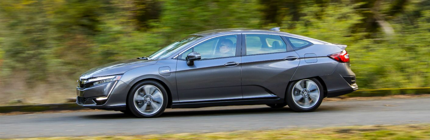 side view of a silver 2019 Honda Clarity Plug-In Hybrid
