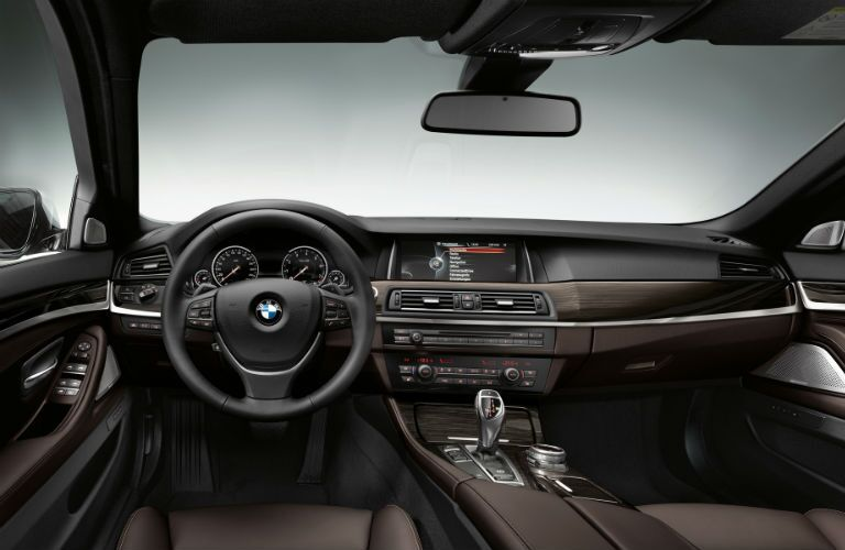 2015 BMW 5-Series Interior Technology Steering Wheel Leather