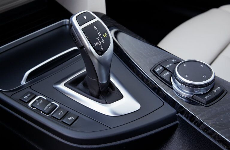 2016 BMW 3 Series gearshift and other controls