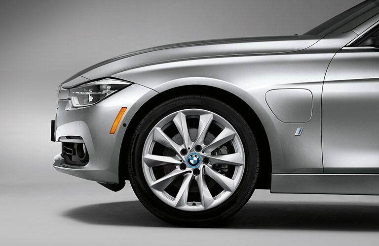 front and wheel of the 2017 BMW 3 Series