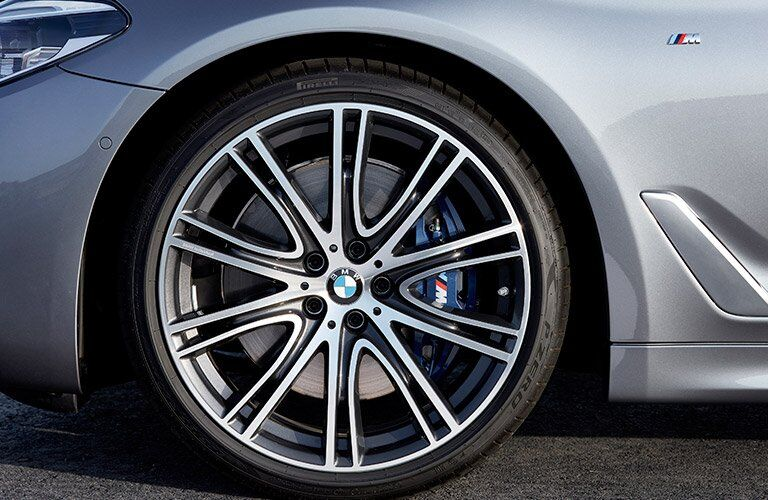 wheel close-up on the 2017 BMW 5 Series
