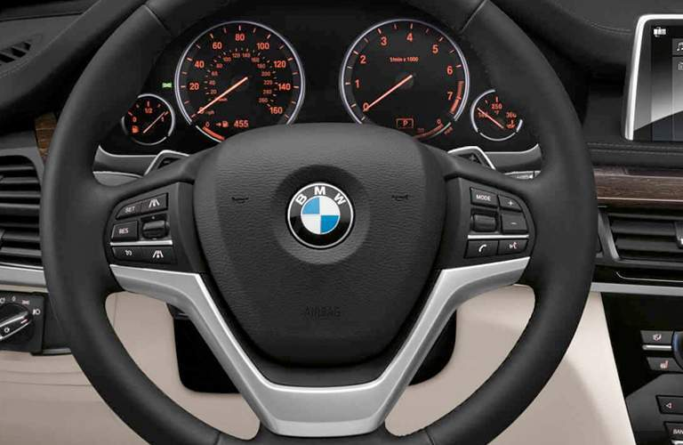 close view of the 2018 BMW X5 steering wheel