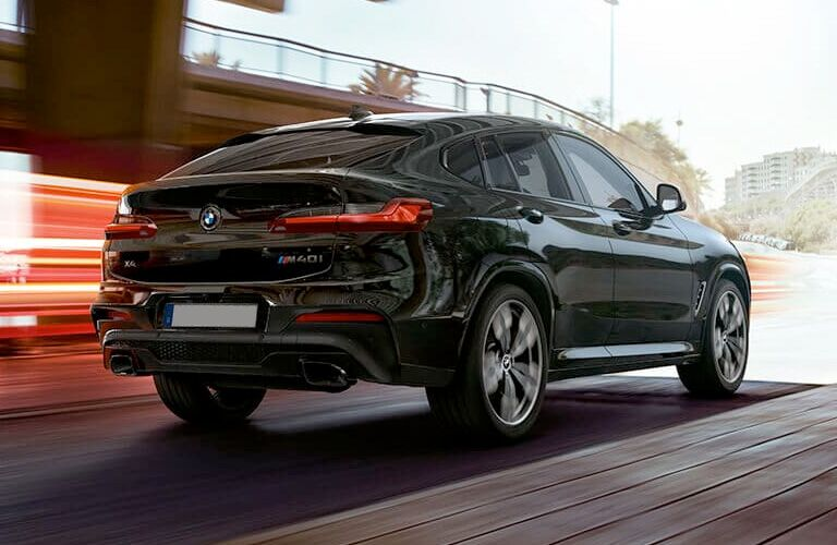 rear of black bmw x4