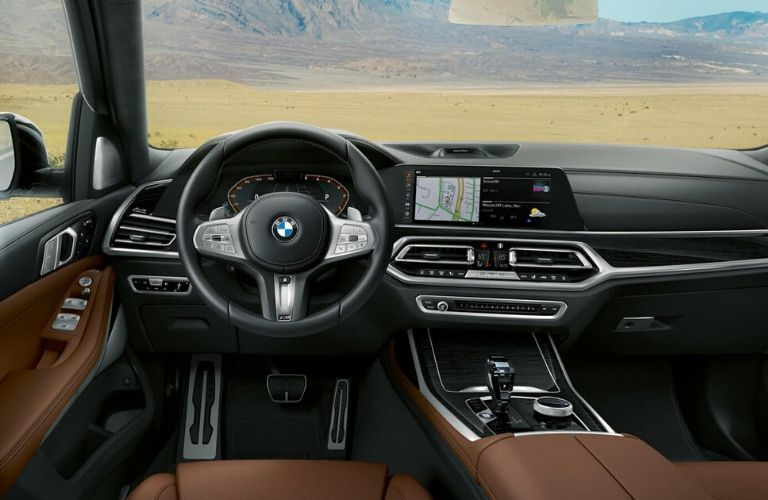 2020 BMW X7 dashboard and steering wheel