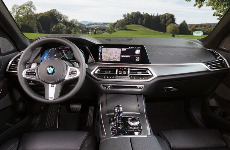 2021 BMW X5 dashboard and steering wheel
