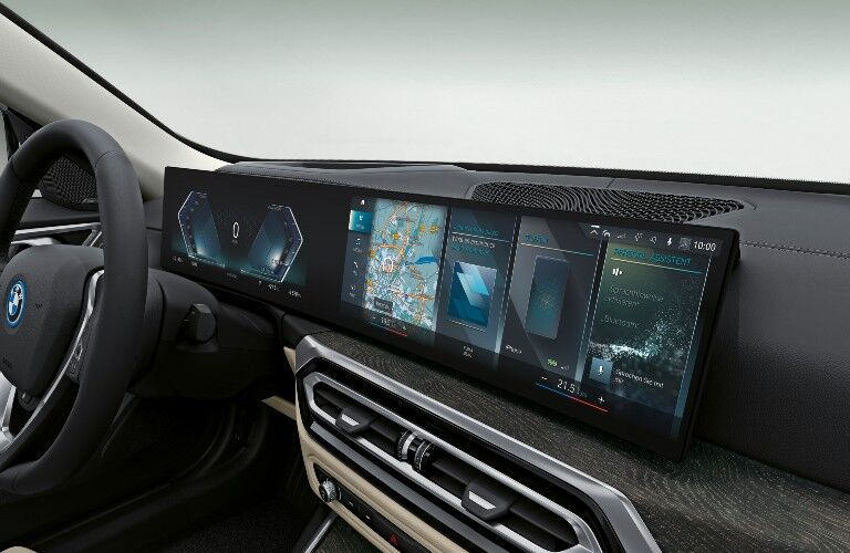 2022 BMW i4  dual cluster and infotainment system displays