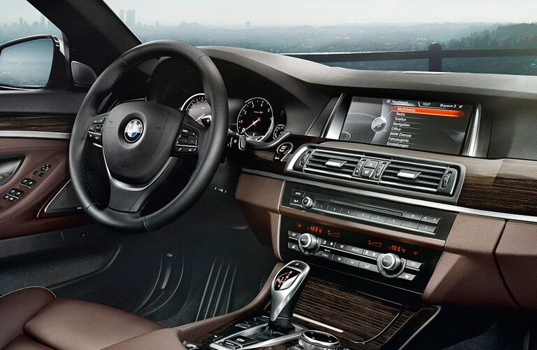 BMW Executive Demo vehicles come with the latest in-dash features