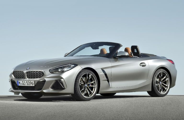 front three quarter view of 2019 bmw z4