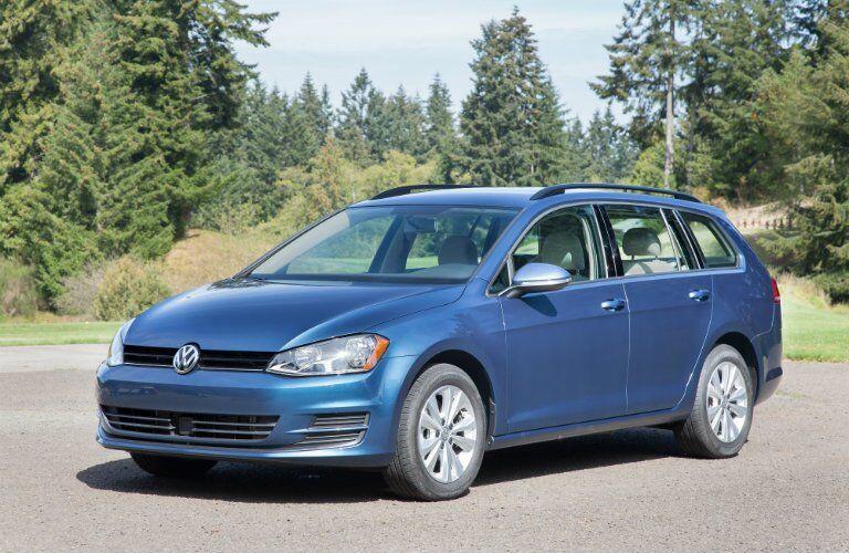 Blue 2017 Volkswagen Golf SportWagen