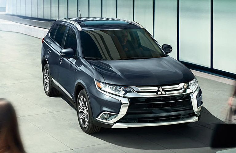 2016 Mitsubishi Outlander vs 2016 Dodge Journey safety