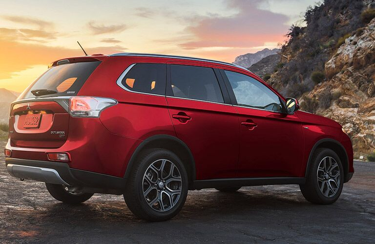 Get the 2015 Mitsubishi Outlander near Chicago IL at Continental Mitsubishi!