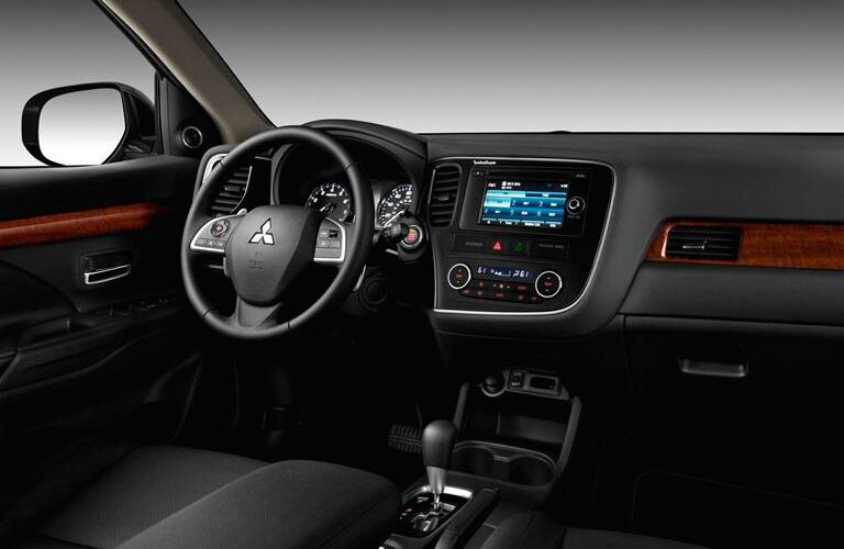 2016 Mitsubishi Outlander interior dashboard