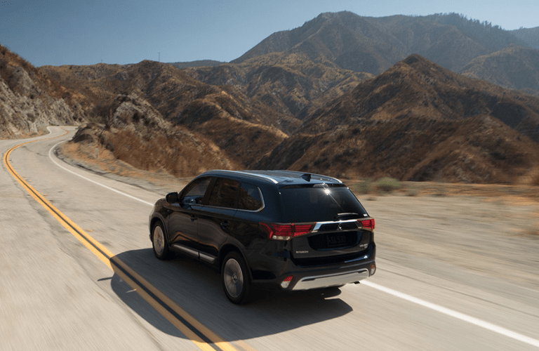 2019 Mitsubishi Outlander full view